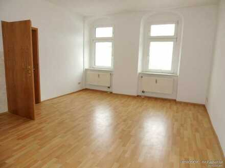 Bezugsfertige Single-Wohnung in zentraler Lage Kirchbergs in Sachsen zu vermieten!