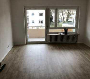 Sanierte 3,5-Zimmer-Wohnung mit Balkon in Augsburg, Hochzoll