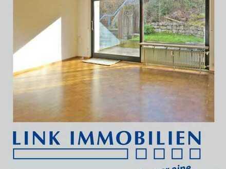 Große, lichtdurchflutete 4-Zimmer Wohnung mit großer Terrasse, Garten + 2 Balkone in S-Feuerbach