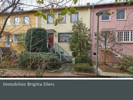 Bremen-Horn: Gepflegtes Reihenmittelhaus in ruhiger Lage mit Vollkeller und Garage