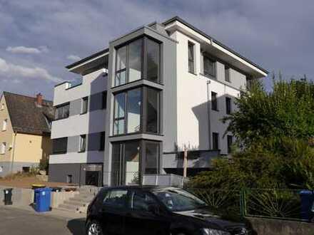 Traumhafte 4 Zimmer Mansarden - Wohnung, ruhige Lage, Erstbezug