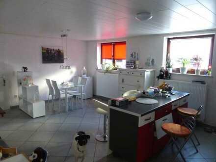 Geräumige, modernisierte 2-Zimmer-Wohnung mit gehobener Innenausstattung in Stein-Bockenheim