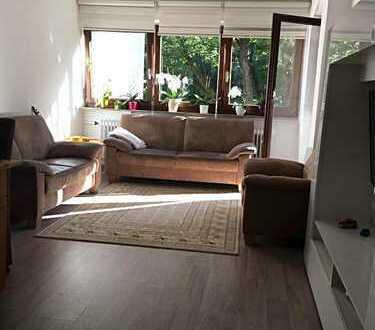Stilvolle, sanierte 3-Zimmer-Wohnung mit Balkon und EBK in Neusäß