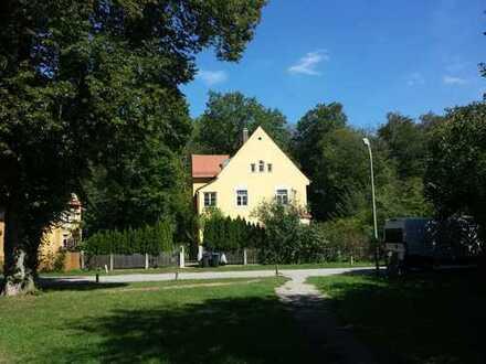 Exklusive renovierte charmante Jugendstilvilla mit großem Garten in bester Wohnlage von Gauting