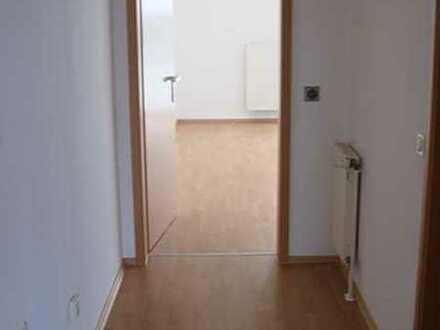 Zentrum Langen: Moderne, helle 2 Zimmer Wohnung mit Balkon