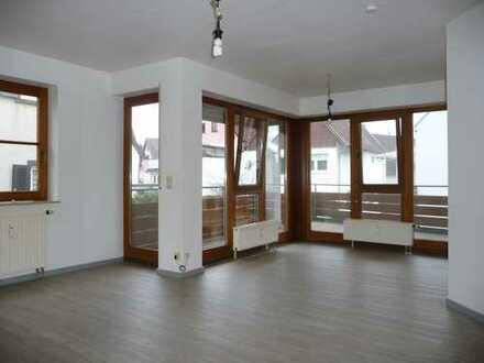 Exklusive, modernisierte 2-Zimmer-Wohnung 56 qm mit Balkon und Einbauküche in Böblingen
