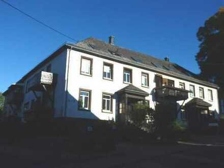 Vermietete, großzügige 4 Zimmerwohnung im historischen Gebäude im Herzen von Selters