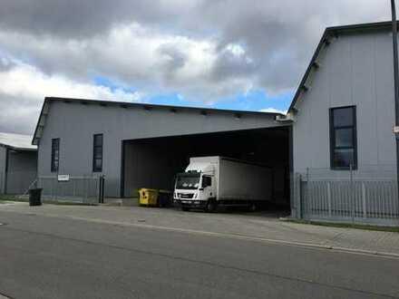 Moderne Lager- / Produktionsimmobilie in Autobahnnähe im Alleinauftrag