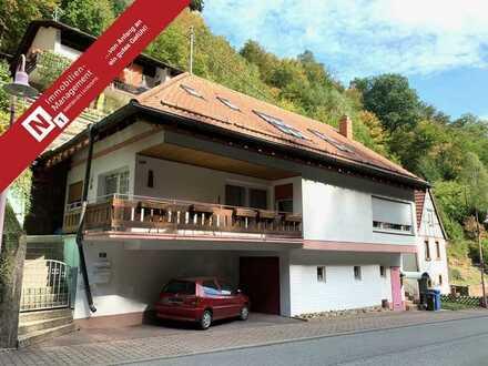 Einfamilienhaus mit 2 Balkonen und Garage