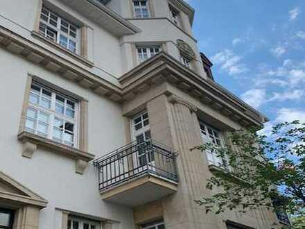 Wunderschöne luxuriöse Atbauwohnung in Sachsenhausen zu vermieten!