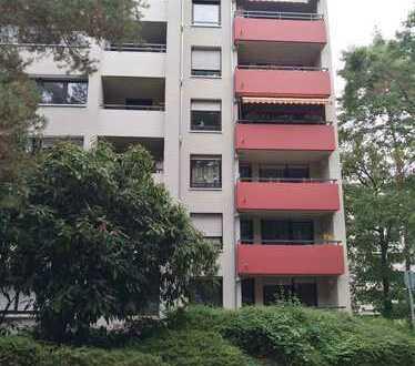 Geräumige Wohnung in energetisch saniertem Mehrfamilienhaus
