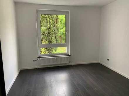 Großzügige 4-Zimmer Wohnung !!!