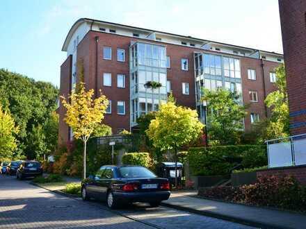 Vollständig renovi. 4-Zimmer-Wohnung mit Balkon und Einbauküche in Langenbek, Hamburg