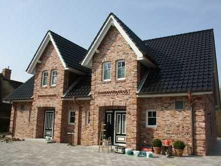 Großes ca.800qm Grundstück mit DHH im Landhausstil