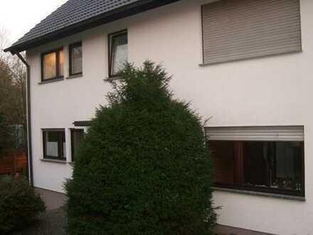 3-Zimmer-Wohnung im Erdgeschoss in Stuttgart-Untertürkheim mit Terrasse und Garten