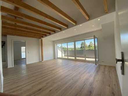 *PROVISIONSFREI* Neuwertige 3-Zimmer-Wohnung mit Dach-Loggia