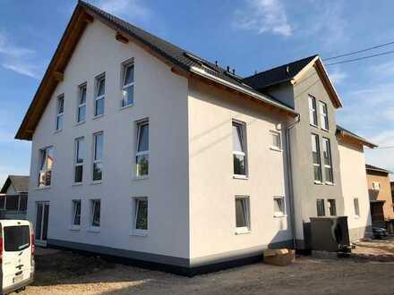 Erstbezug mit Balkon: stilvolle klimatisierte 3-Zimmer-Dachgeschosswohnung