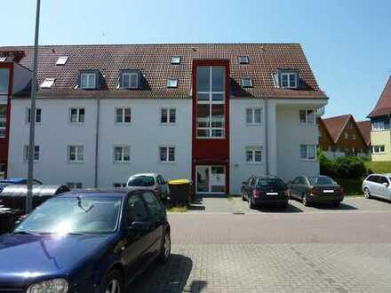 4 Raum-Whg. mit neuer Einbauküche, Terrasse,Laminat und KFZ Stellplatz