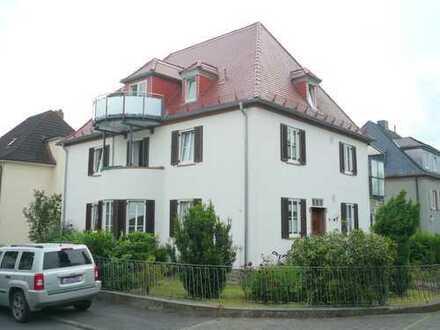 Gepflegte 4-Raum-Erdgeschosswohnung mit Balkon in Aschaffenburg
