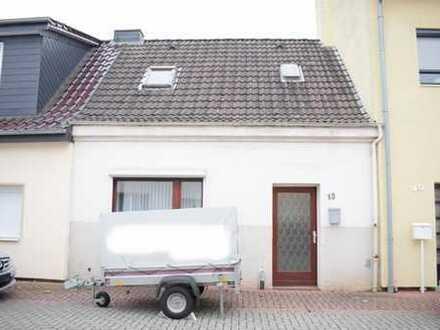 Sanierungsbedürftiges Reihenmittelhaus in Hemelingen!