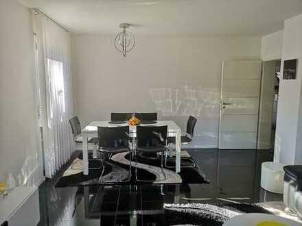 Sanierte Erdgeschosswohnung ++ 3-Zi-EG-Wohnung freiwerdend