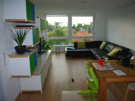 Modernisierte 4-Zimmer Wohnung mit Balkon und EBK mit Blick ins Grüne in Braunschweig-Gartenstadt