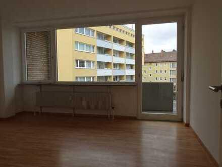 2-Zimmerwohnung mit EBK, Balkon u. Tiefgarage