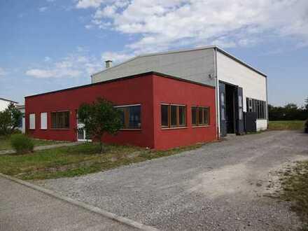 Produktionshalle mit Maschinenpark und Bürotrakt mit Erweiterungsmöglichkeit