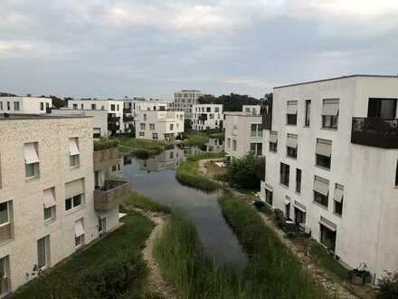 FÜNF MORGEN in Berlin-Dahlem: Bezugsfreies Apartment mit Sonnenterrasse