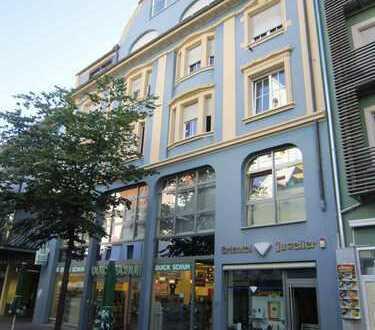 Sanierter Altbau - Einzelhandelsladen in Fußgängerzone von Singen zur Kapitalanlage