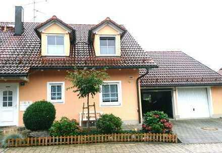Schöne Doppelhaushälfte in ruhiger Lage mit Südterrasse und Garten