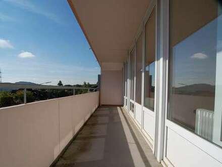 Hi- Dahlbruch: Neu renovierte 3 ZKB-Wohnungen mit großem sonnigem Balkon!