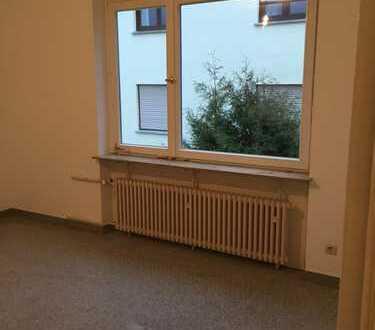 Vollständig renovierte 1,5-Zimmer-Wohnung mit Balkon und EBK in Mainz