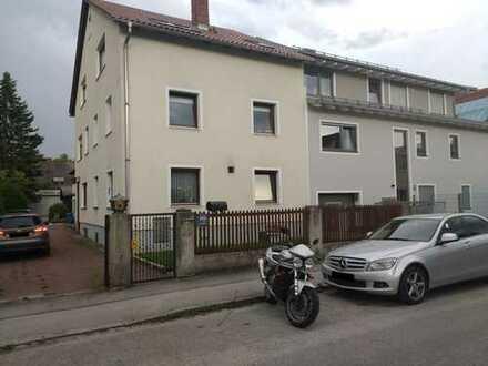 Helle, wunderschöne, vollständig renovierte, 3-Zimmer-Maisonette-Wohnung in Milbertshofen, München