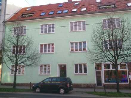 5- Zimmer Wohnung mit Balkon , Kamin sowie 2 PKW-Stellplätzen