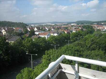 Traumhaft helle Wohnung mit Blick über Zuffenhausen