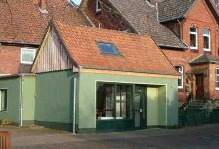 Büro, Werkstatt, Laden bzw. Lagerraum im Dorfmittelpunkt von Leveste