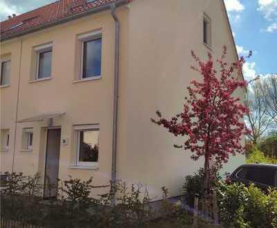 Wunderschönes, großes und sehr gepflegtes 5-Zimmer-Reihenhaus mit EBK und Garten
