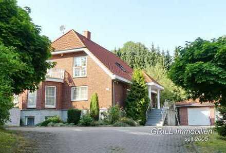 LUXUS PUR !!! Massivhaus mit vier Bädern, Wintergarten, Kamin, Fußbodenheizung, Kino, 3 Garagen