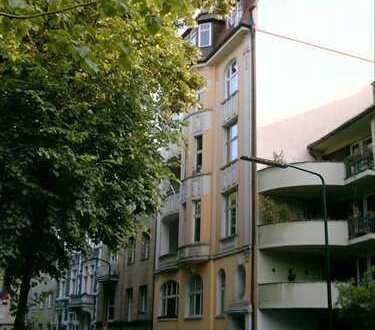 Repräsantative exklusive Jugendstil-Wohnung in Düsseldorf