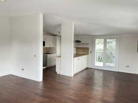 Penthouse mit 3 Balkonen, EBK u. Kochinsel, TL-Bad, Gäste-WC u. Doppelgarage in Malchen