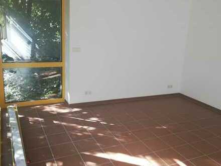 Gepflegte Maisonette-Wohnung mit zweieinhalb Zimmern und Einbauküche in Schwäbisch Gmünd - West
