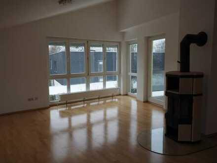 Bad Homburg - nicht alltäglich - moderne helle 4 Zimmerwohnung 128 qm Wfl. in angenehmer Wohnlage