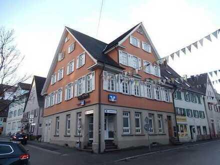Mehrfamilienhaus mit Gewerbeeinheit in der Kernstadt