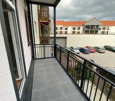 Renovierung + großer Balkon