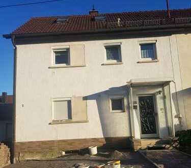 Neu renovierte bzw. in renovierungs Zustand befindliche 4 Zimmer - Wohnung in Bondorf
