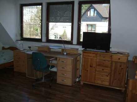 Schöne vollmöbl. zwei Zimmer Wohnung in Aschaffenburg, Schweinheim