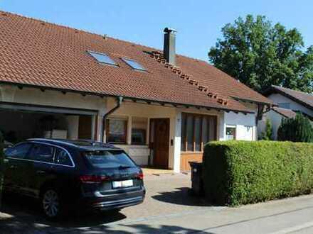 Zweifamilienhaus mit Einliegerwohnung  in guter Lage