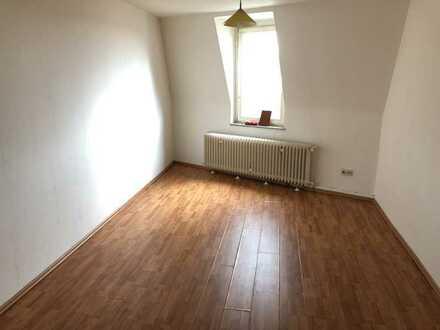 günstige Wohnung *Neustr.73*