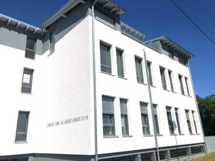 -Rossellit Immobilien- Neubau Erstbezug Büro-/Praxisfläche im Ärztehaus
